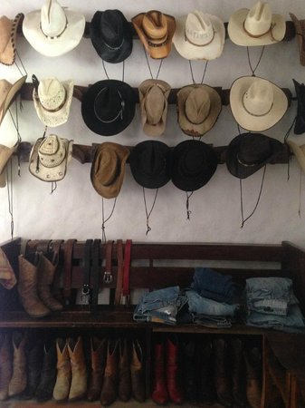 Rancho Chilamate Adventures on Horseback: Everyone loves cowboy dress-up