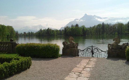 Hotel Schloss Leopoldskron: Looking at Untersburg Mountain