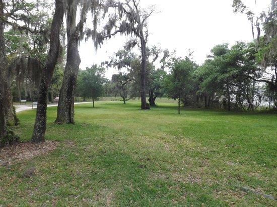Fort Caroline National Memorial : trails