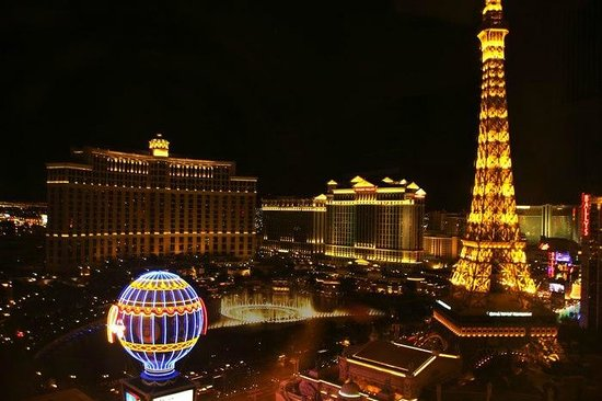 Planet Hollywood Resort & Casino: Planet Hollywood - Fountain View Room