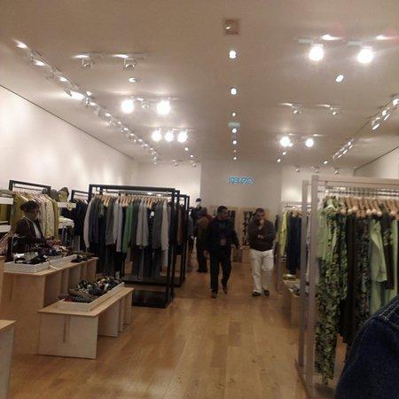 2220705704d Boutique kenzo - Photo de La Vallée Village