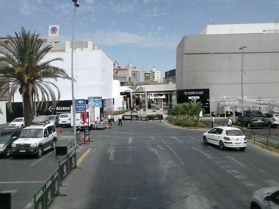 Parque Araucano: Estacionamento