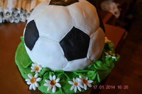Polonia Club : ball cake
