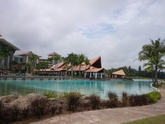 The Empire Hotel & Country Club: Huge outdoor pool