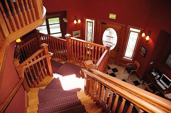 The Bradley Boulder Inn: Interior view of stairwell and front door area