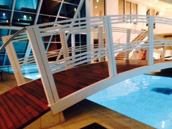 Piscina climatizada picture of hotel quinto elemento for Piscina climatizada