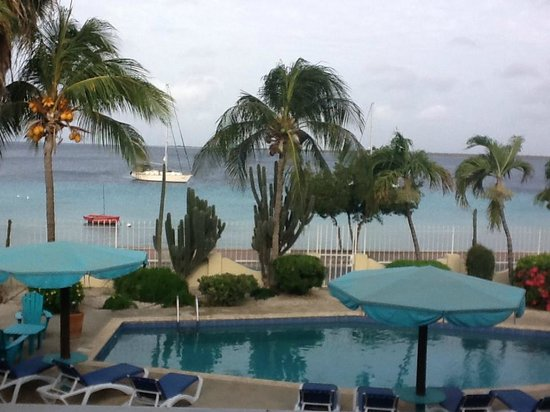 Bonaire Oceanfront Apartments: Balcony VIew