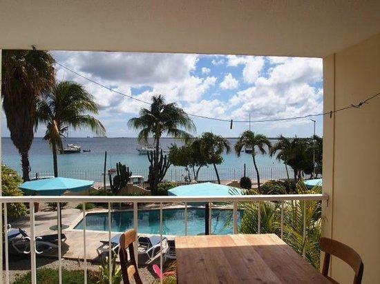 Bonaire Oceanfront Apartments : Breakfast View