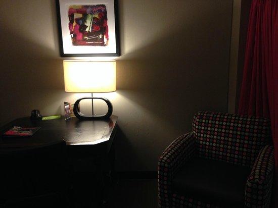 Flamingo Las Vegas Hotel & Casino: old lamp with manual switch