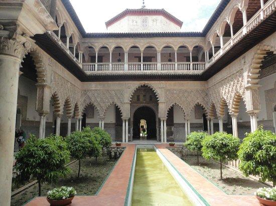 Alcazar : Arquitetura em estilo mudejar