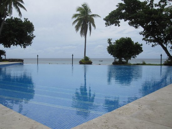 Yasawa Island Resort And Spa Inifinity Pool Sweet Also They Light The