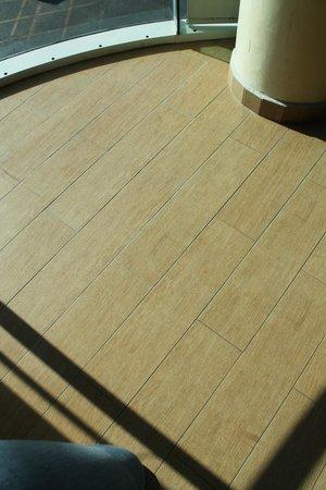 Portobelo Hotel: piso de excelente calidad