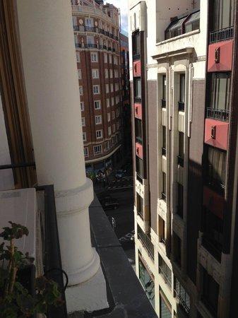 Hostal Main Street Madrid: Vista do quarto para Gran Vía