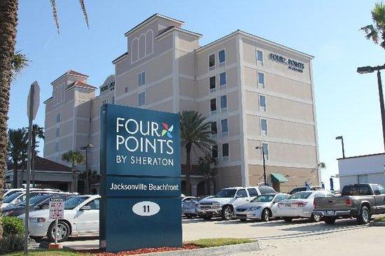 Four Points by Sheraton Jacksonville Beachfront: Motel Entrance