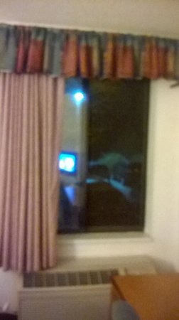 Days Inn & Suites Denver International Airport: sorry, was already living in the rm, when pic taken :c)