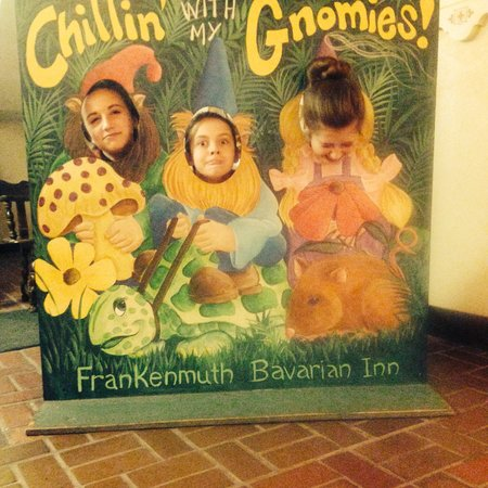 Bavarian Inn Lodge: Kids having fun in the village!