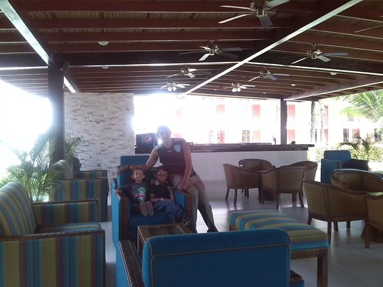 Best Western Jaco Beach All Inclusive Resort : Bar cerquita de la playa