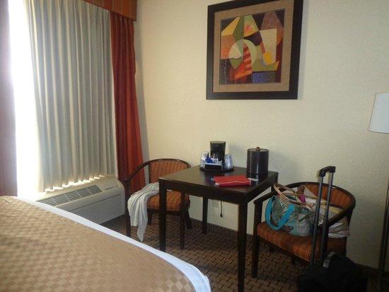 貝斯特韋斯特普拉斯環球旅館照片