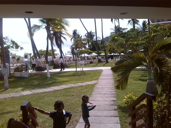Best Western Jaco Beach All Inclusive Resort: todos los caminos te llevan a la playa