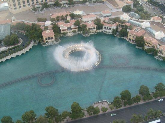 Eiffel Tower Experience at Paris Las Vegas : Nice view - Bellagio Fountains
