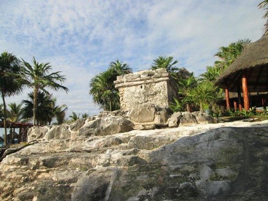 Sandos Playacar Beach Resort : Piramides dentro del hotel