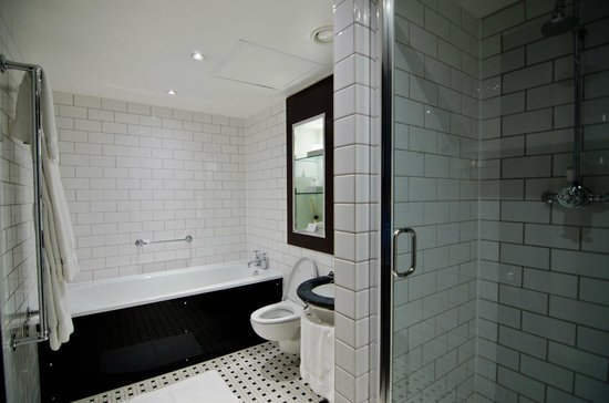 Andaz London Liverpool Street: Bathroom1