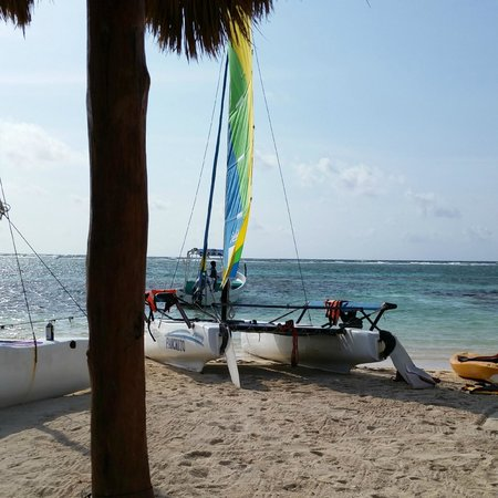 Nohoch Kay Beach Club: Catamaran that you could go out on
