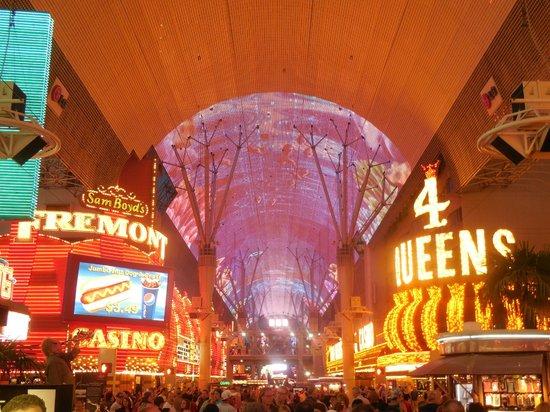Fremont Street Experience : Neon lights