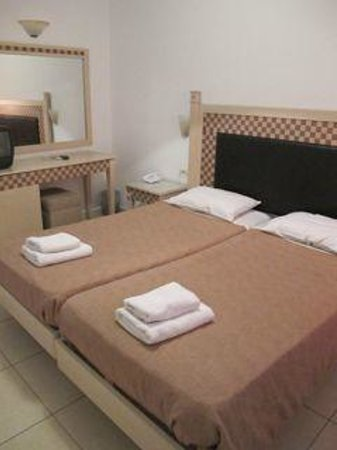 Petinaros Hotel: rooms