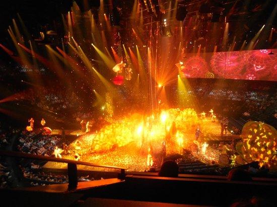 The Beatles - Love - Cirque du Soleil: show