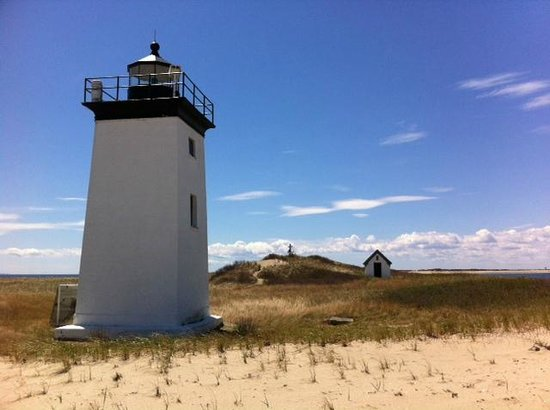 Long Point : Lighthouse, Shed and Memorial