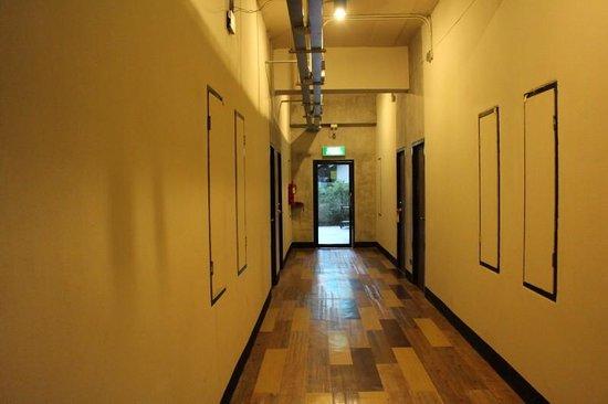 B2 Chiang Rai: ホテル内廊下
