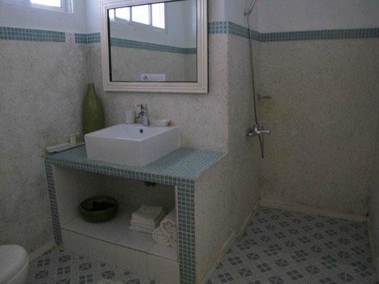 Circa 51: Shower room