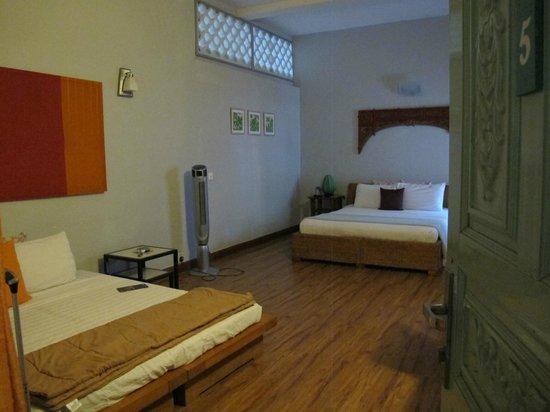 Circa 51: Double bed