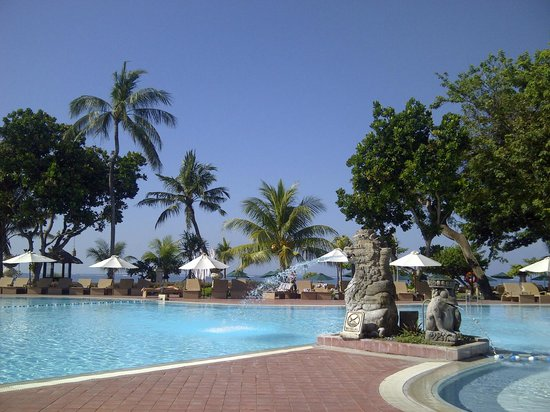 Prama Sanur Beach Bali: View Kolam Renang ke Pantai
