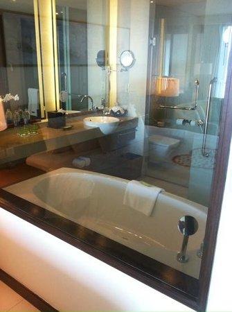 The Westin Siray Bay Resort & Spa Phuket: bath