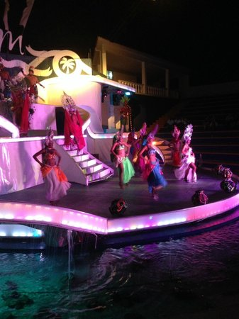 The Tropical at Lifestyle Holidays Vacation Resort: Entertainment - Show at the Coliseum