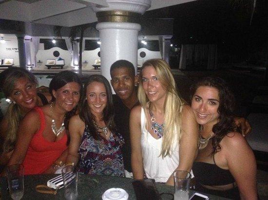 The Tropical at Lifestyle Holidays Vacation Resort: VIP Pool - Jarol & the girls!