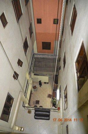Hotel Kipepeo : Вид с внутреннего балкона
