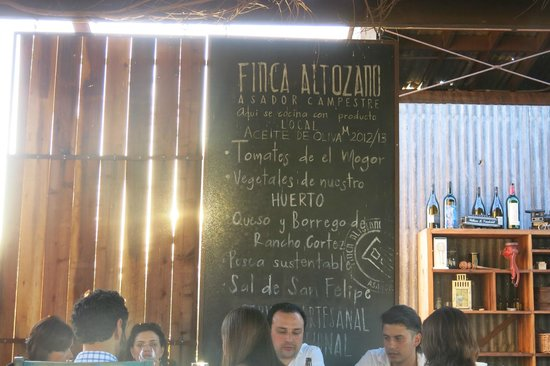 Finca Altozano: Blackboard menu