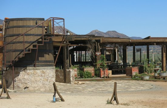 Finca Altozano: Daytime view of restaurant and one of the giant Wine Barrels