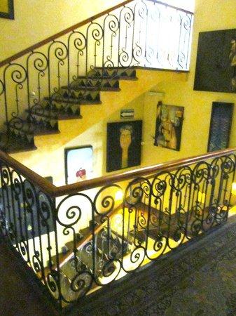 La Perla Hotel Boutique B&B : Stairwell
