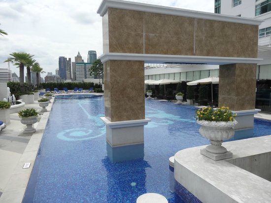 The Berkeley Hotel Pratunam: Swimming Pool