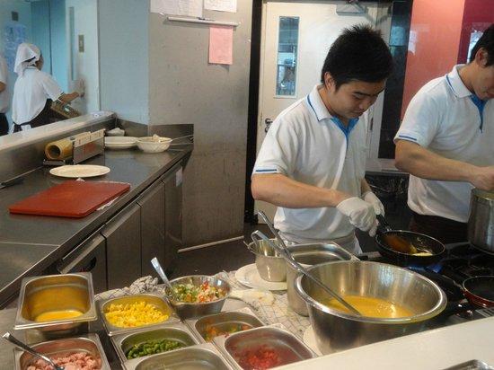 The Berkeley Hotel Pratunam: Breakfast