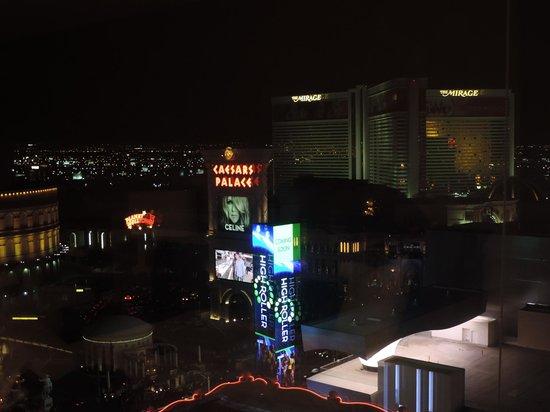 Flamingo Las Vegas Hotel & Casino: Vista a noite