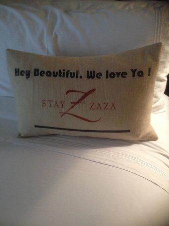 Hotel ZaZa Dallas: Unique hotel greeting found on my bed
