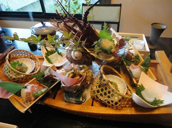 Hanaasagi: 夕食の船盛