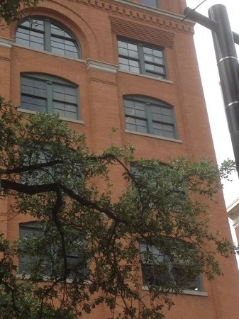 Dealey Plaza National Historic Landmark District: Famous window from the sixth floor of the Dallas school book depository