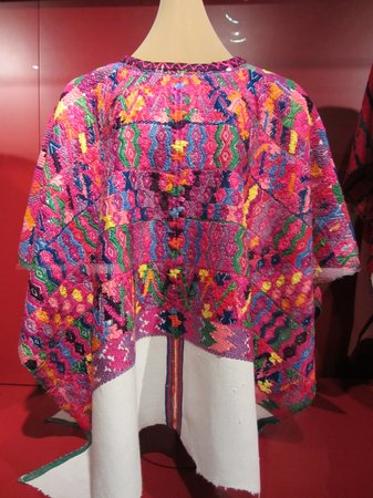 Centro de Textiles del Mundo Maya: If you admire textiles, this is a must-see!