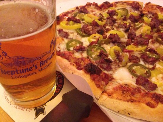 KBar Pizza: Trail Fire pizza and a Hopzone IPA!
